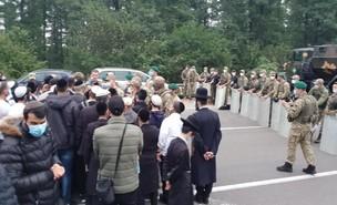 ישראלים בדרך לאומן תקועים בגבול בלארוס אוקראינה  (צילום: החדשות 12, חוסין אל אוברה)
