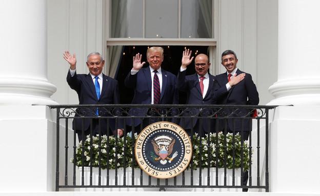 טקס החתימה בבית הלבן (צילום: רויטרס)