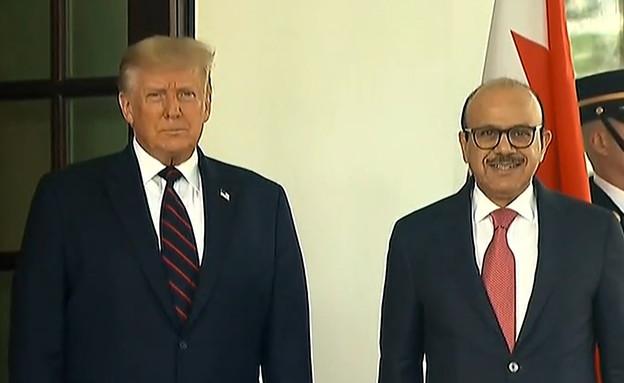 טראמפ עם שר החוץ של בחריין עבד אלטיף אלזיאני (צילום: רויטרס)