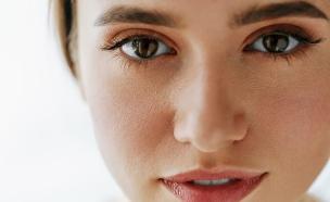 Copy of עיניים (צילום: amanda-dalbjorn , unsplash)