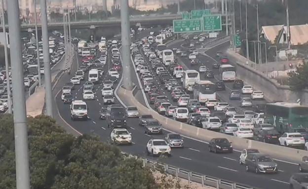 עומס בכבישים בפתיחת הסגר (צילום: נתיבי ישראל)