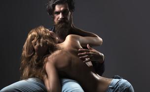 זוג סקסי (צילום: shutterstock | Volodymyr TVERDOKHLIB)