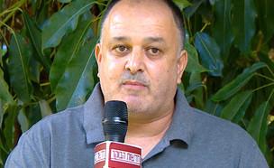 """בעל הבסטה שפתח את הדוכן למרות האיסורים (צילום: מתוך """"חדשות הבוקר"""" , קשת 12)"""