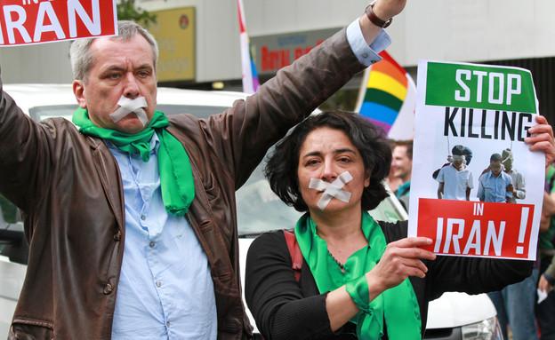 הפגנה בברלין נגד רצח הומואים באיראן, ברלין 2010 (צילום: Jacqueline Abromeit, Shutterstock)
