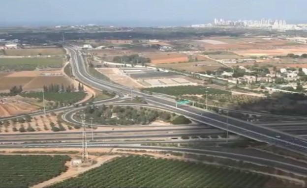צילומי רחפן של כבישים ריקים בסגר (צילום: רון גפני - SkyPics.co.il)