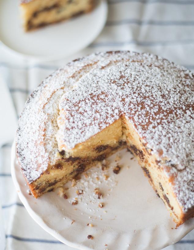 עוגת תפוזים ושוקולד צ'יפס מלמעלה