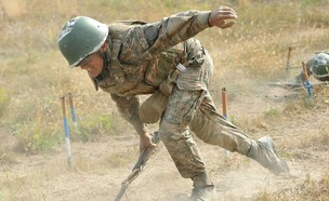 הלחימה (צילום: KAREN MINASYAN/AFP, GettyImages)