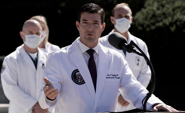 "ד""ר שון קונלי, רופאו האישי של הנשיא טראמפ (צילום: Reuters)"