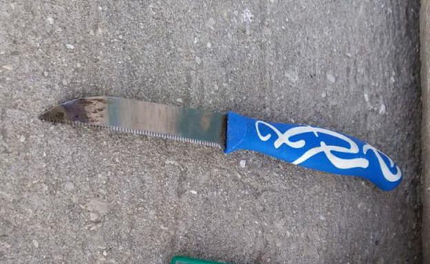 הסכין בה השתמש המחבל בניסיון הפיגוע
