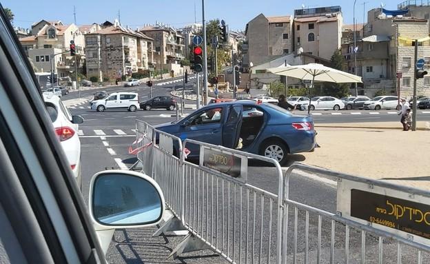 מחסום סגר בירושלים (צילום: N12)