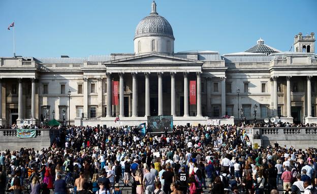 הפגנות נגד הסגר בלונדון (צילום: רויטרס)