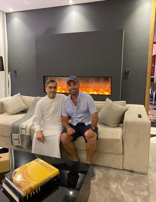 עומר אדם בדובאי (צילום: באדיבות עופר מנחם / הקהילה היהודית בדובאי)
