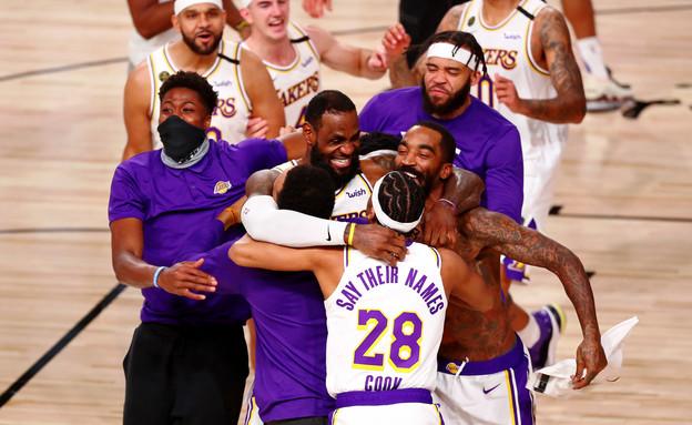 לוס אנג'לס לייקרס מנצחת את גמר ה-NBA (צילום: רויטרס)