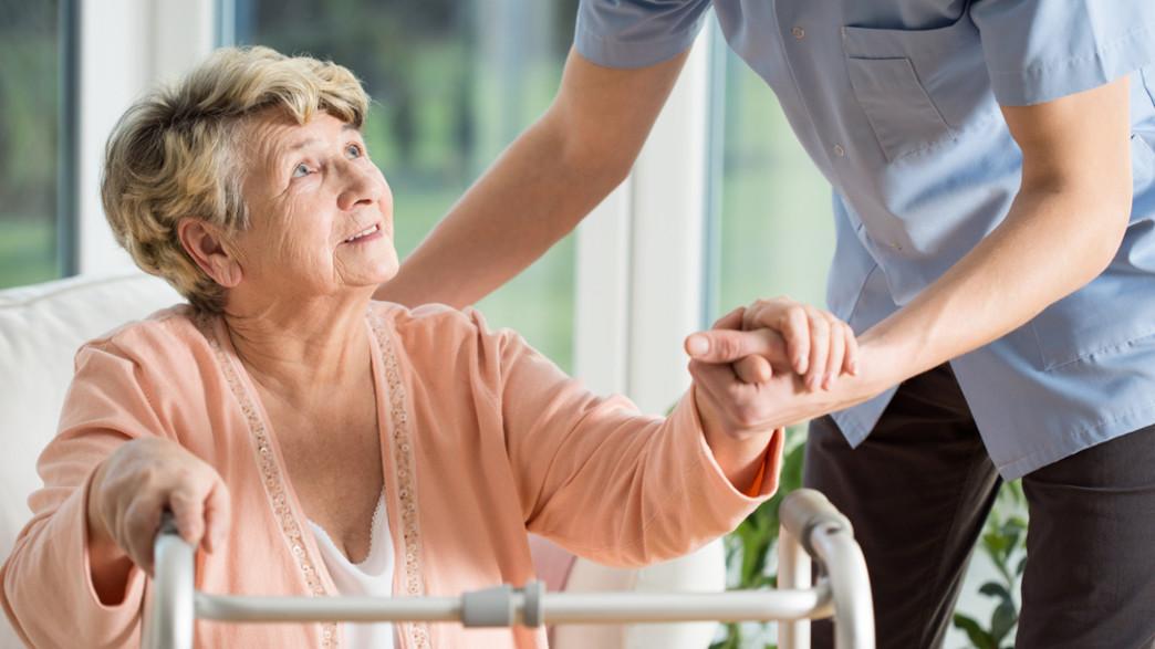 קשישה ומטפל אילוסטרציה (צילום: kateafter | Shutterstock.com )