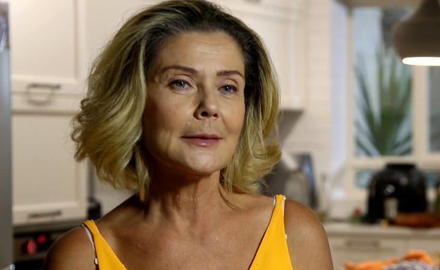 """דובי עמירה מספרת על החוויה ב""""חתונה ממבט ראשון"""" (צילום: מתוך אמהות מבשלות ביחד, ערוץ 24 החדש)"""