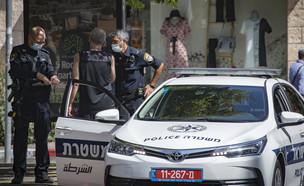 משטרה קורונה מסכות ניידת (צילום: אוליביה פיטוסי, פלאש 90)
