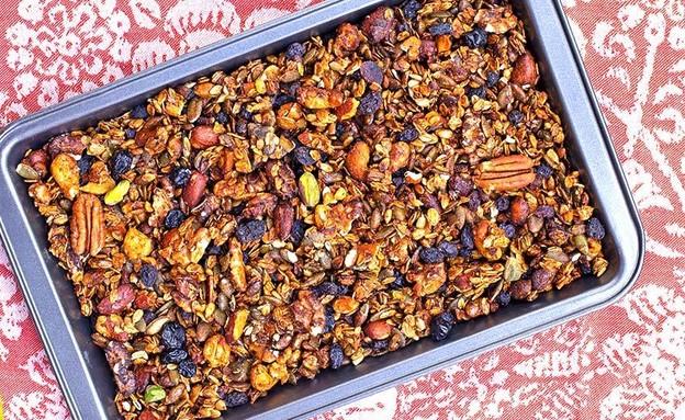 גרנולה ללא שמן (צילום: רויטל פדרבוש, אוכל טוב)