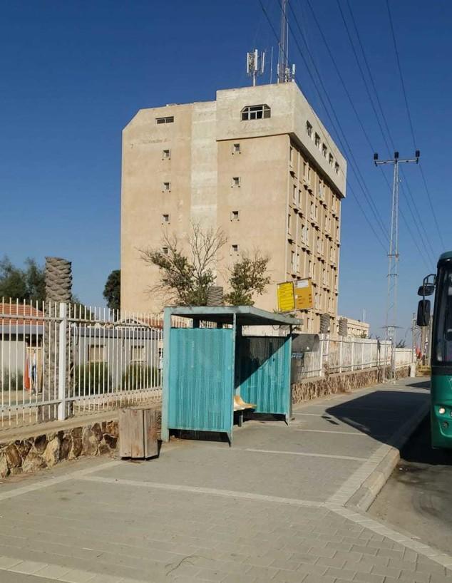 מלון קורונה בערד (צילום: רפאל מעתוק)