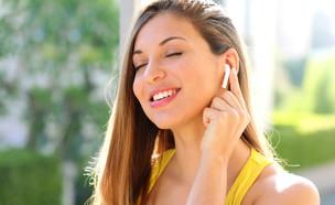 אוזניות אלחוטיות (צילום: shutterstock By Zigres)