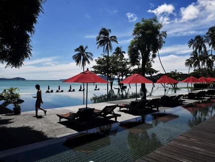 אחרי 7 חודשים: תיירים ראשונים הגיעו לתאילנד