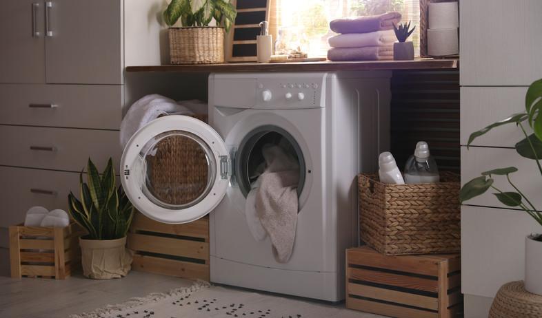 מכונת כביסה  (צילום:  New Africa, Shutterstock)