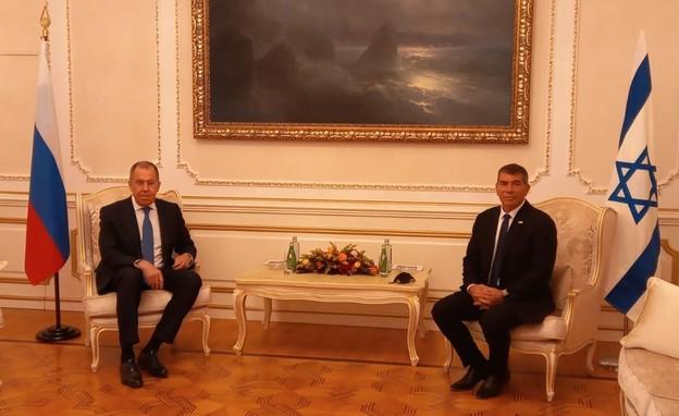 שר החוץ גבי אשכנזי בפגישה עם סרגיי לברוב (צילום: משרד החוץ)