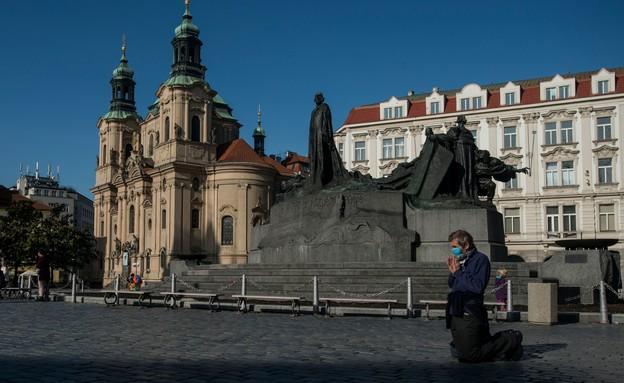 קורונה בצ'כיה (צילום: MICHAL CIZEK, AFP)
