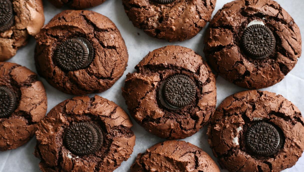 עוגיות שוקולד פאדג' עם מיני אוראו