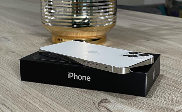 אייפון 12 (צילום: רועי שפריר)