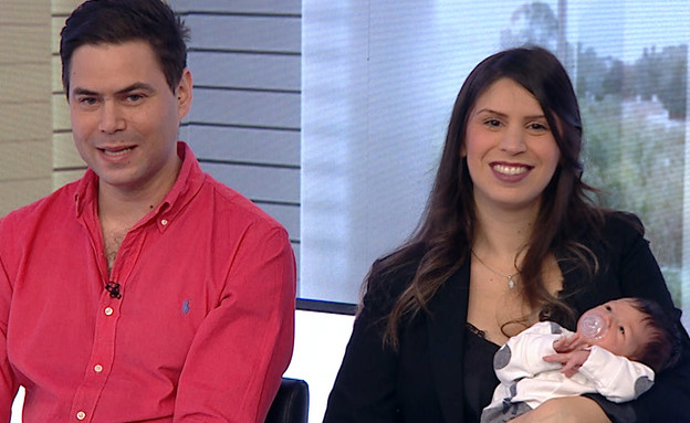 """המשפחה שבודדה את עצמה לאורך ההיריון (צילום: מתוך """"חדשות הבוקר"""" , קשת 12)"""