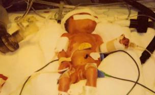 """נולדה במשקל 800 גרם ושרדה נגד כל הסיכויים (צילום: מתוך """"פאולה וליאון"""", קשת 12)"""
