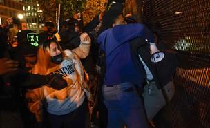 """הפגנות, הפגנה, בית, לבן, ארה""""ב, בחירות (צילום: AP)"""