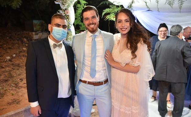עופרי חלה בסרטן, החתונה של אחותו הגיעה עד אליו לבי (צילום: ניב כהן)