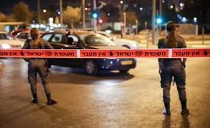 סגר, עוצר לילי, עוצר, משטרה, שוטרים, שוטר, מחסום (צילום: אוליביה פיטוסי, פלאש 90)