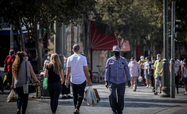 חנויות רחוב בזמן הקורונה (צילום: יונתן זינדל, פלאש 90)