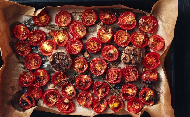 עגבניות צלויות (צילום: Nataliia Sirobaba, ShutterStock)