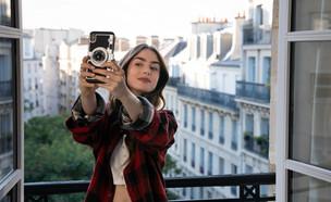 אמלי בפריז (צילום: STEPHANIE BRANCHU/NETFLIX)