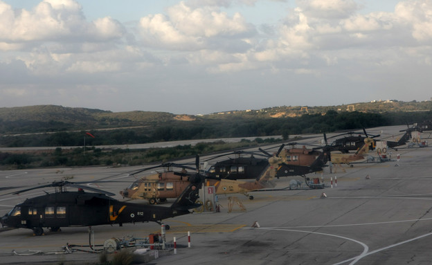 מטוסים בבסיס פלמחים (צילום: Kobi Gideon / FLASH90)