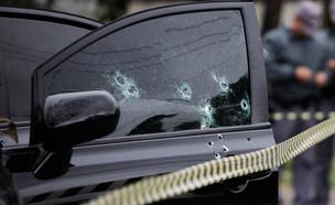 יריות (צילום: shutterstock | Nelson Antoine)
