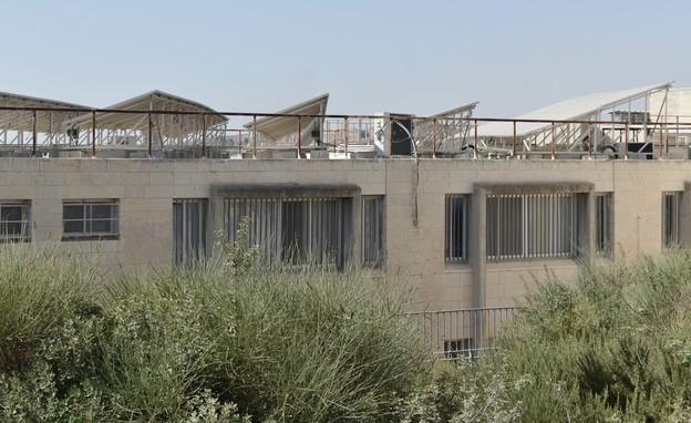 בית ספר אור תורה סטון - גגות סולארים (צילום: דוד וינוקור)