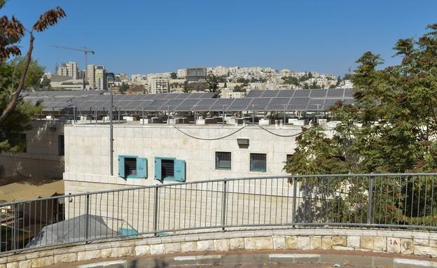 בית ספר ממד רמות ב הר אל - גגות סולארים (צילום: דוד וינוקור)