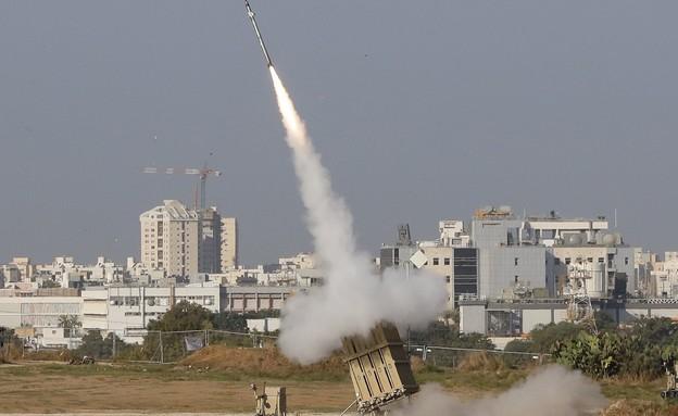 כיפת ברזל יורה (צילום: JACK GUEZ/AFP, GettyImages)