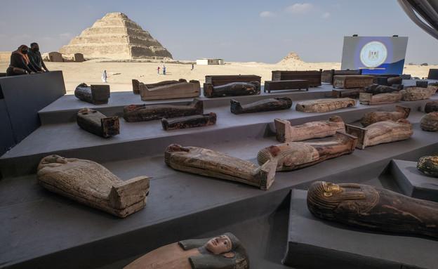 ארונות קבורה עתיקים במצרים (צילום: AP)