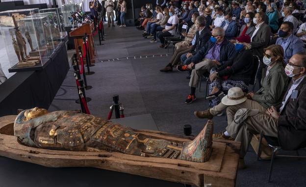 ארונות קבורה עתיקים במצרים (צילום: AP/Nariman El-Mofty)