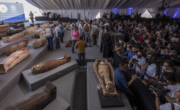 ארונות קבורה עתיקים במצרים (צילום: Nariman El-Mofty/AP)