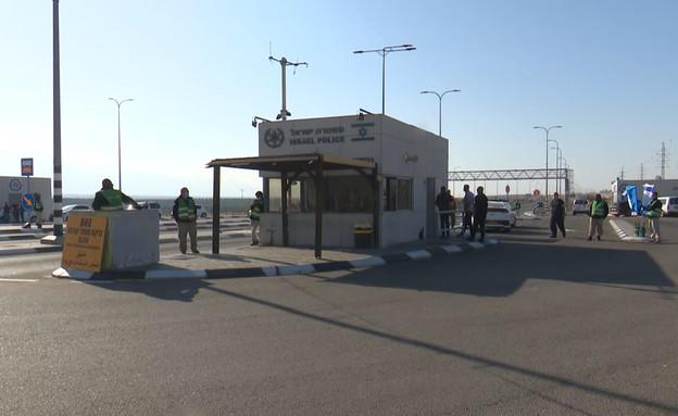 מחסום בכניסה לאילת (צילום: החדשות 12)