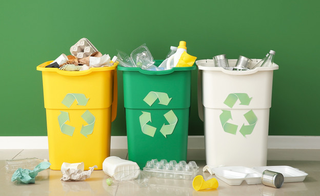 הפרדת פסולת למחזור (צילום: Pixel-Shot, shutterstock)