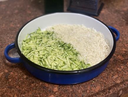 אורז, דג וירוקים בסיר אחד