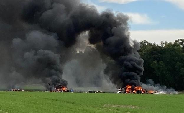מטוס קל התרסק בנגב (צילום: מתוך תיעוד שעלה ברשתות החברתיות, שימוש לפי סעיף 27א' לחוק זכויות יוצרים)