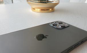 אייפון 12 פרו מקס (צילום: רועי שפריר, NEXTER)
